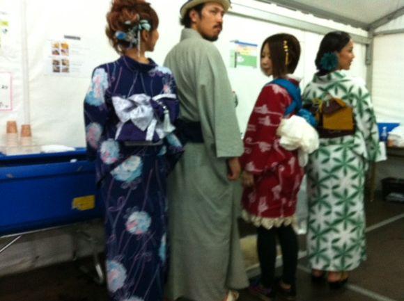 image from http://kyoko.weblogs.jp/.a/6a0120a68548c1970b01676915476b970b-pi